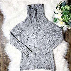 • Elsamanda Cable Knit Gray Wool Sweater •